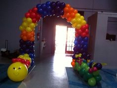 Balloon arch worm