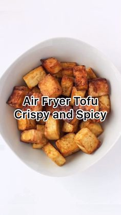 pescatarian recipes Spicy and crispy air fryer tofu with five simple ingredients is flavorful and versatile. Thought you didnt like tofu? Youve got to try this recipe. Air Fryer Recipes Videos, Air Fryer Recipes Vegetarian, Air Fryer Dinner Recipes, Air Fryer Recipes Easy, Veggie Recipes, Whole Food Recipes, Healthy Recipes, Simple Tofu Recipes, Tofu Dinner Recipes