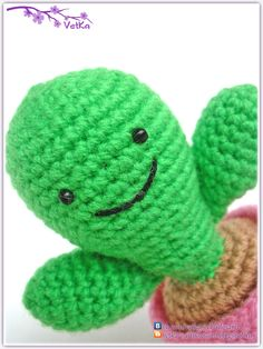 Happy Cactus Amigurumi (Free Russian Pattern) - Copy paste instructions in Google Translate.