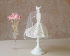 Benutzerdefinierte Bridal Herzstück, Meerjungfrau Kleid, Bridal Shower Dekoration, Hochzeit Dekoration, Cake Topper, Trompete Kleid, Passform und flare