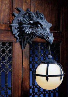 Le chasseur de dragons / magie médiévale / animation avec un authentique dragon…