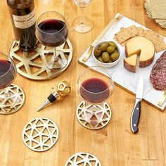 The best conversations happen over cheese and great wine. 🍷