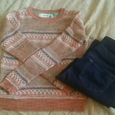 Anthropologie sweater by Sparrow Anthropologie sweater, so cute for fall, winter and spring! Linen and cotton. Great with a long sleeve button up underneath and jeans. Used but in good condition. Anthropologie Sweaters Crew & Scoop Necks
