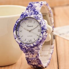 Luxury New Plastic Flower Printed Geneva Watch Fashion Women Ladies Quartz Casual Watch Elegant Popular Women Wristwatch Relogio