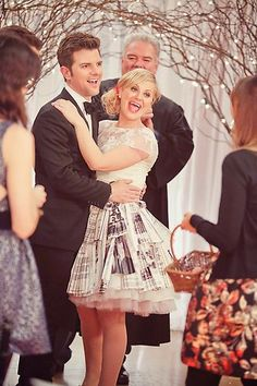 Ben and Leslie | Parks and Rec | #ParksandRec Okay, when I get married, I'm having my skirt made out of comic book pages and it will be awesome.
