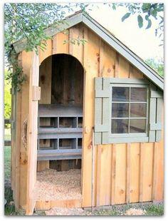 Urban Farm, sweet little chicken coop