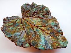 Decorative concrete leaf, home decor, rustic, nature lover, catch all bowl… Painting Cement, Cement Art, Concrete Art, Decorative Concrete, Decorative Bowls, Concrete Garden Ornaments, Concrete Crafts, Concrete Projects, Cement Leaf Casting