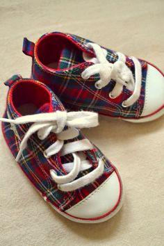 Precious baby shoes from thepolohouse.blogspot.com.