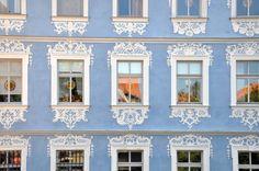 Janelas de um prédio em Bamberg, Baviera, Alemanha