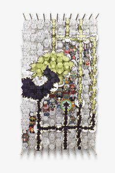 Jacob Hashimoto, Gravity Traps and Inner Volds, 2013, Paper, wood, acrylic a ddacron, 167,6 x 98 cm
