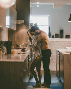 Credits To The Owner Great Tagged with amor couple goals cute kiss love romance Photo Couple, Love Couple, Couple Shoot, Classy Couple, Couple Bed, Perfect Couple, Cute Couples Goals, Couples In Love, Romantic Couples