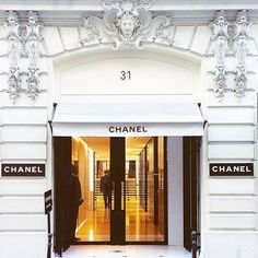 """Mecca Flagship #Chanel"""