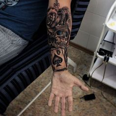 Noble Crown Tattoo Designs – Treat Yourself Like Royalty Chicano Tattoos, Dope Tattoos, Skull Tattoos, Forearm Tattoos, Black Tattoos, Body Art Tattoos, New Tattoos, Hand Tattoos, Tattoos For Guys