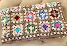 Free Crochet Granny Square Blanket Pattern- I like that you join as you go!