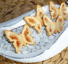 Butterflies Butterflies, French Toast, Pottery, Breakfast, Food, Ceramica, Morning Coffee, Pottery Marks, Essen