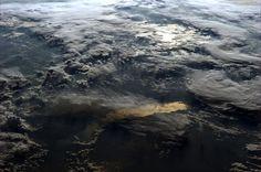 Ziemia oglądana z orbity okołoziemskiej - Joe Monster East Africa, Our World, Amazing Nature, Travel Photography, Waves, Landscape, City, Outdoor, Space