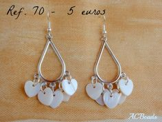 Chandelier Earrings with MOP heart charms // Brincos chandelier com pendentes de madrepérola verdadeira