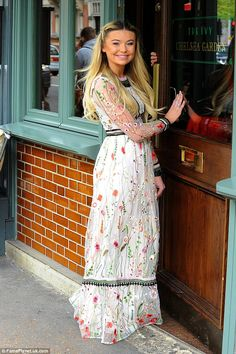 The Made in Chelsea star, looked effortlessly stylish in a floral maxi dress and sporty trainers, as she headed to the Ivy Chelsea Garden with her co-stars for the bridal-wear bash. Floral Maxi Dress, Boho Dress, Displays, Made In Chelsea, Boho Fashion, Feminine, Babe, Stylish, How To Wear