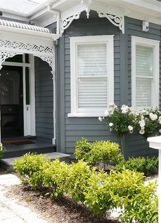 black front door with white trim Exterior Color Schemes, House Color Schemes, Exterior Paint Colors, Exterior House Colors, Exterior Design, Paint Colours, Colour Schemes, Cottage Exterior, House Paint Exterior