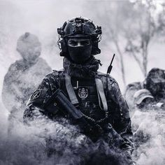 Niven Diaz, son of Eric Diaz Military Photos, Military Gear, Military Police, Airsoft, Ghost Soldiers, Tactical Operator, Military Special Forces, Army Wallpaper, Naval