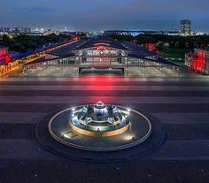 La place de la fontaine-aux-lions-de-Nubie - Flickr