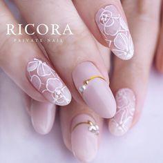 綱島ネイルサロン(RICORA)さんはInstagramを利用しています:「・ 手描きのお花レース✨早速お選びいただきましたマット仕上げで本物感♡ ・ ラインテープは引っ張ってカーブつけてみました✨ ・ 新しいサンプルが出るといつも選んでくださるので、ありがたいです❤️ ・ ・ 【綱島ネイルサロンRICORA】 ご予約・お問い合わせ…」 Fancy Nails, Cute Nails, Pretty Nails, Fabulous Nails, Perfect Nails, Green Nails, Pink Nails, Vanessa Nails, Bridal Nail Art