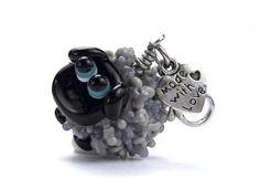 Lampwork-Glasanhänger Schaf von glückskind-design auf DaWanda.com Glass Jewelry, Glass Beads, Jewelry Necklaces, My Glass, Lampwork Beads, Vikings, Polymer Clay, Beading, Etsy