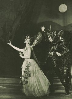 """@AnneLouiseAvery Twitter  """"Vivien Leigh as Titania in A Midsummer Night's Dream, The Old Vic, 1937  #Midsummer #SummerSolstice"""""""