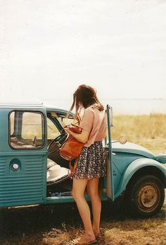 floral dress + old car = <3