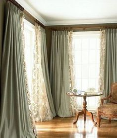 47 Stunning Living Room Curtain Ideas Comfortable Living Room - Home Decor that I love - Curtains Comfortable Living Rooms, Cozy Living Rooms, Home Living Room, Family Room Curtains, Living Room Decor Curtains, Curtain Ideas For Living Room, Moroccan Decor Living Room, Cool Curtains, Hanging Curtains