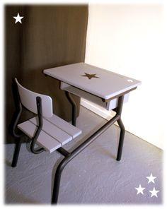 light & dark grey School Furniture, Table Furniture, Student Desks, Welding Art, Playrooms, Bedroom Vintage, Drafting Desk, Decoration, Light In The Dark