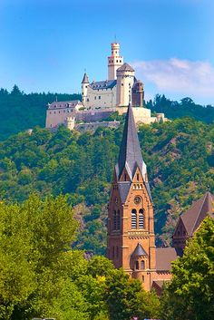 Marksburg Castle above the Rhine River, Germany - saw this on our Rhine trip - wonderful.- only medieval castle on the Rhine that has never been destroyed. It has been lived in for over 700 years.