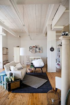 This is the second floor of the building my shop is in! It is the studio of photographer Vickey Weiss.
