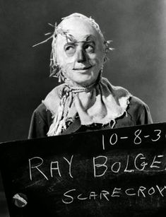 Here's Ray Bolger in a costume test photo as the humble Scarecrow in The Wizard of Oz. Wizard Of Oz Movie, Wizard Of Oz 1939, Ray Bolger, Land Of Oz, Yellow Brick Road, Fantasy Films, Scene Photo, Over The Rainbow, The Wiz