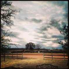 #Texas - we are so lucky to see beautiful vistas like this. Drink #Txwine and shop the great #MainStreet in downtown @visitfredtx