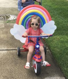 Rainbow for July bike parade Instead have Suns for Rising Sun Daycare Rainbow Bike, Diy For Kids, Crafts For Kids, Bike Decorations, Bike Parade, Bicycle Decor, Bicycle Shop, Diy Y Manualidades, Retro Bike