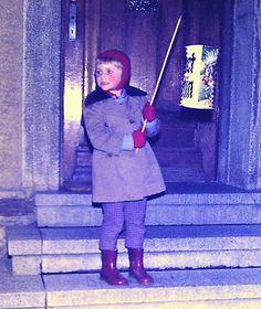 """Laterne, Laterne ..... Sonne, Mond und Sterne ....Gehe aus mein Licht .... Gehe aus mein Licht ... Nur meine kleine Laterne nicht!""  ---- Lampion song sung by children throughout Germany - http://linutilecologne.blogspot.de/"