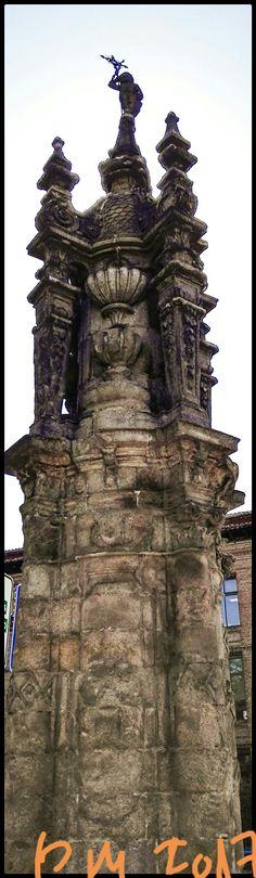 Torrecilla barroca del Puente de Toledo en la Glorieta Marqués de Vadillo.  Baroque tower of the Toledo Bridge in the Glorieta Marqués de Vadillo.