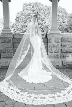 Love wedding veils, this is gorgeous!