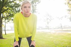 Biggest Running Mistakes Whether you're new to running or have a few races under your belt, the way you run might be the reason you can't seem to shake off those lead legs. Take a look at this checklist to be sure you aren't holding yourself back with these running mistakes. Changing one of these bad habits may just be the key to your next easy, breezy run.