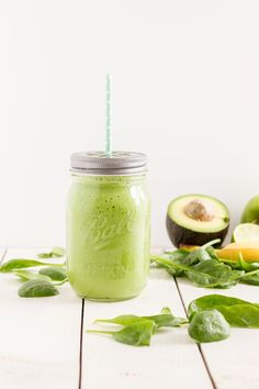 Grüner Smoothie mit   Grüner Smoothie mit Avocado Spinat Apfel und Ingwer // Green Smoothie with Avocado Spinach Apple and Ginger  https://www.pinterest.com/pin/11188699052707136/   Also check out: http://kombuchaguru.com