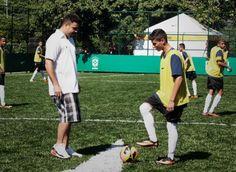 Pontapé inicial de Ronaldo reabre Campo do Aterro do Flamengo | #nike #junho13