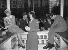 Lucille Ball & Desi Arnaz selling war bonds 1940s