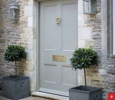 Front Door Paint Colors - Want a quick makeover? Paint your front door a different color. Here a pretty front door color ideas to improve your home's curb appeal and add more style! House Front Door, Front Door Colors, House Front, House Exterior, Entrance Doors, Exterior Design, Beautiful Homes, Front Door Entrance, Doors