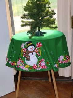 christmas tree background Finished Bucilla Christmas Tree Skirt Or Table Cloth Candy Christmas Candy, Christmas Stockings, Christmas Crafts, Christmas Decorations, Christmas Tree Background, Ribbon Candy, Felt Stocking, Burlap Table Runners, Felt Applique