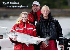 Tyee smiles are contagious! The women keep landing impressive Chinook salmon. Landing, Salmon, Fishing, Women, Atlantic Salmon, Peaches, Pisces, Gone Fishing, Trout
