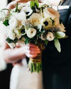 Wedding Bouquets Inspiration : Winter bouquet: www. Bridal Flowers, Flower Bouquet Wedding, Bridesmaid Bouquet, Floral Wedding, Wedding Colors, Wedding Ideas, Wedding Trends, Winter Bouquet, Floral Bouquets