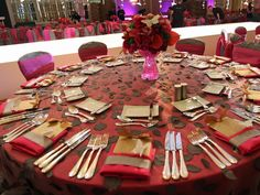 Event Design: Table Setting w/Full Linen and Centerpiece