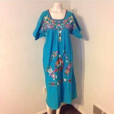 Mexican style embroidered dress Mexican style embroidered dress Dresses Midi