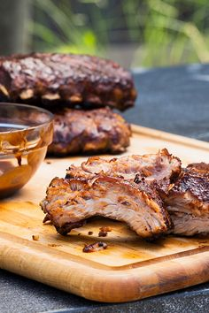 Sous-Vide Barbecue Ribs Recipe (Recipes, Sides, How-Tos) Rib Recipes, Grilling Recipes, Great Recipes, Cooking Recipes, Favorite Recipes, Smoker Recipes, Tapas, Sous Vide Cooking, Cooking Ribs